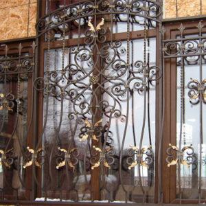 Кованые оконные решетки Кованая решетка на большое окно Арт. Р-009 Norkovka